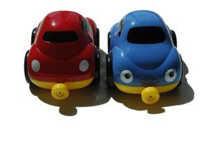 Autos bleu rouge